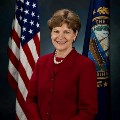 Go to the profile of Senator Jeanne Shaheen
