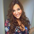 Go to the profile of Beatriz Melges
