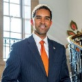 Go to the profile of Mayor Richard Thomas