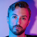 Go to the profile of Peter Hollens