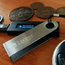 What Is a Bitcoin Hardware Wallet (And Why You Must Use It)