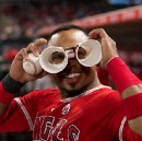How To Make Binoculars: Courtesy of Graterol and Valbuena