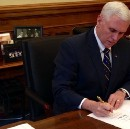 In Sign Trump's Days Are Numbered, Pence Practices Signature For Executive Orders