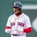 Sox rally to win eight straight