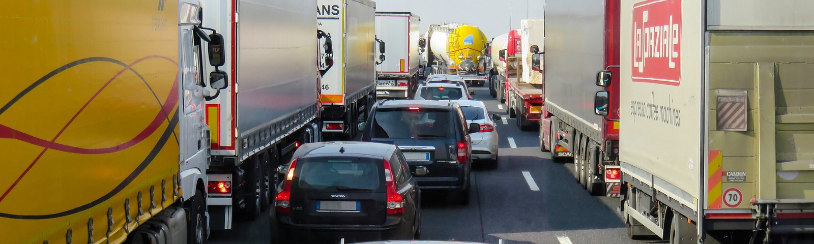 Road traffic makes up one-fifth of the EU's total CO2 emissions. Image credit: Pixabay/ Gellinger