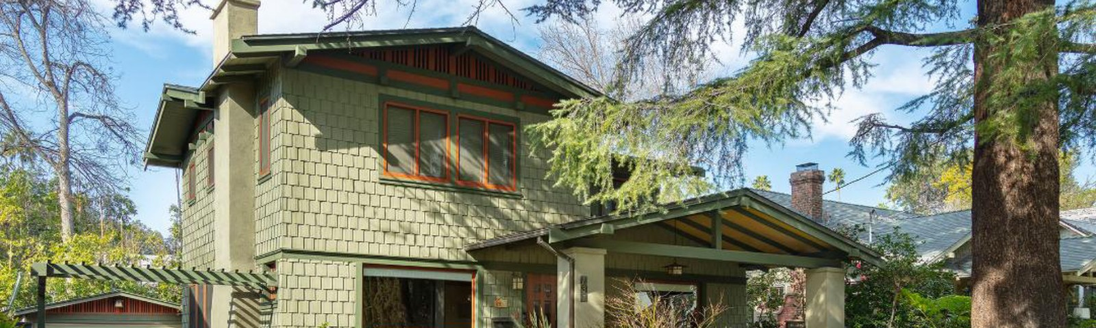 2 story Arts and Crafts bungalow style home, Pasadena CA