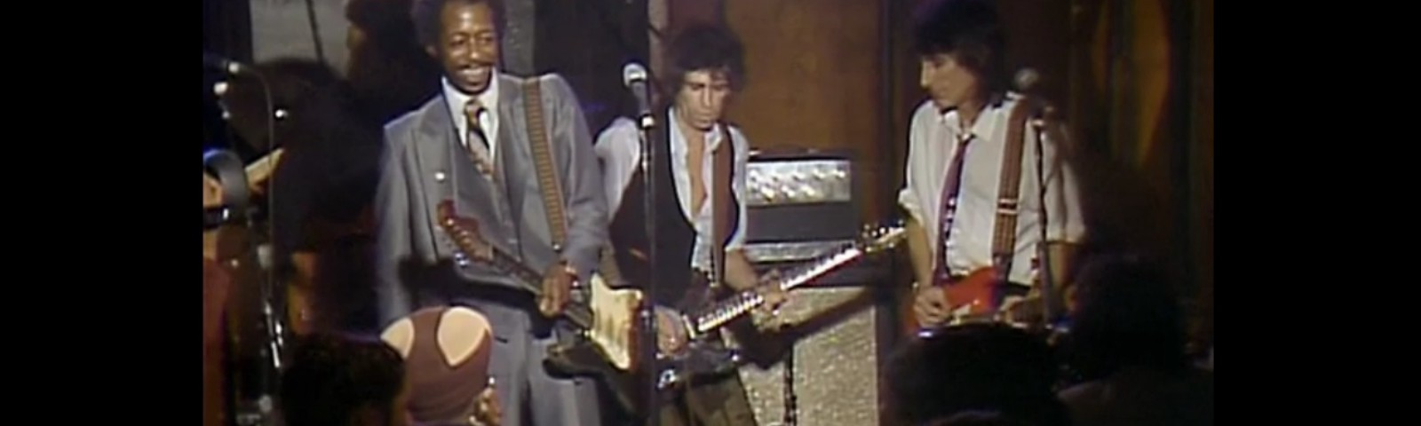 Three guitarists playing Blues, Lefty Dizz, Keith Richards and Ronnie Wood at the Checkerboard Lounge, Chicago in 1981.