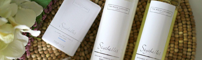 The Seychelles Collection from The White Company combines notes of fresh bergamot, bright orange and rich amber with warming notes of exotic coconut, vanilla and almond. Stylish living at its best.
