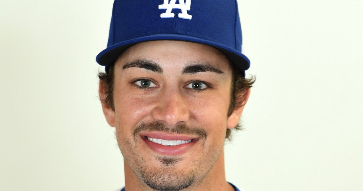 Light shining in for Chargois in his first couple days as a Dodger