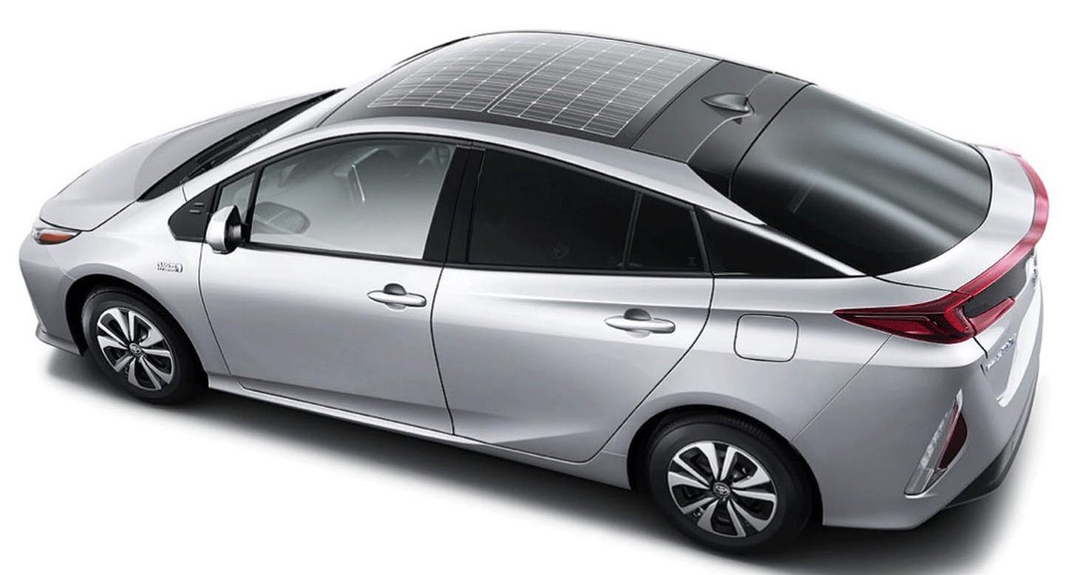 Will Electric Cars Soon Have Solar Roofs Toyota And Tesla