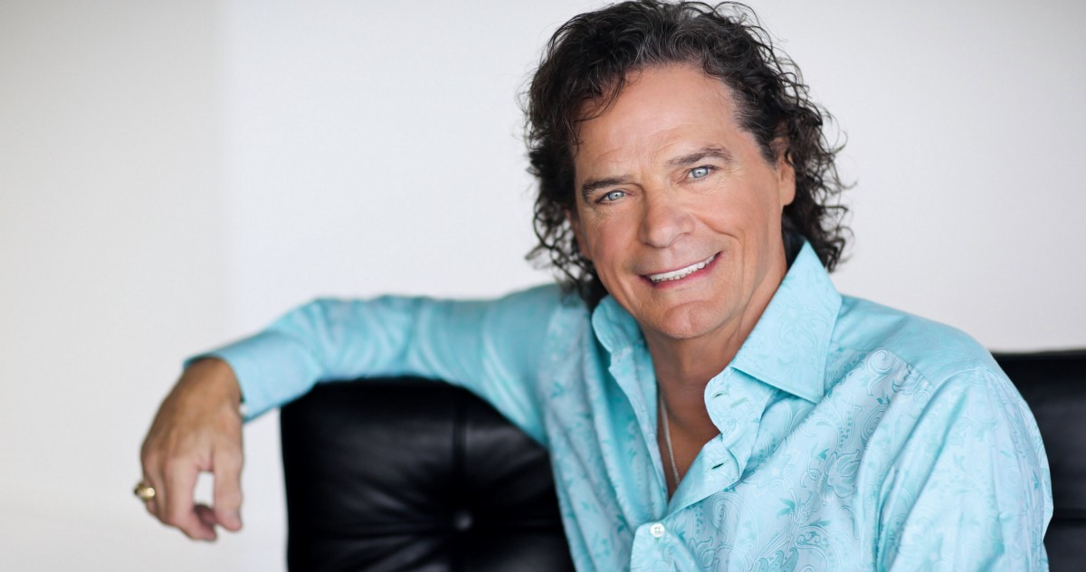 Grammy Winner B J Thomas Reimagines The Living Room Sessions In Nashville