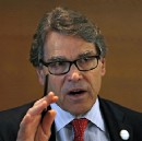 Rick Perry loses his cool when confronted by Sen. Franken on climate science