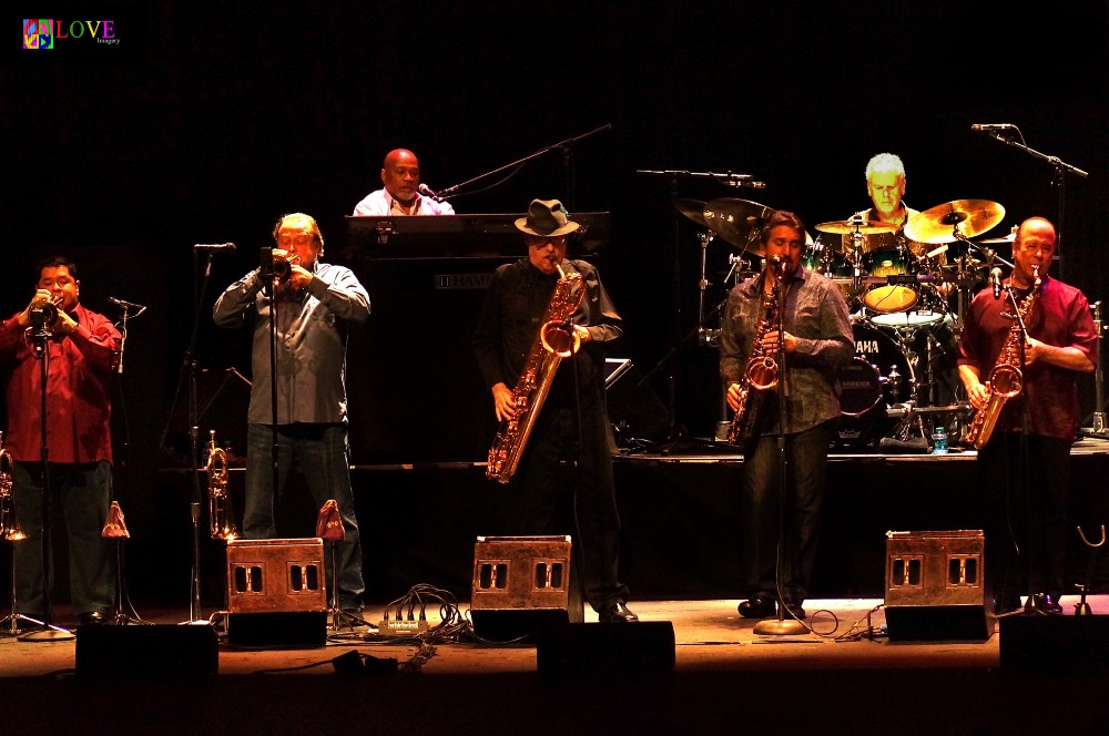 Tower Of Power Live And In Living Color