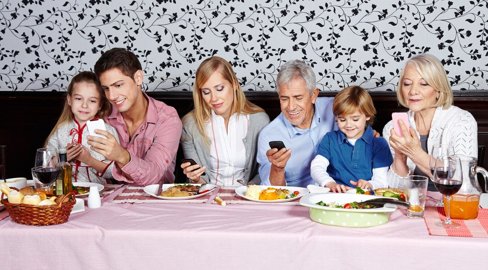 effects of technology on family life