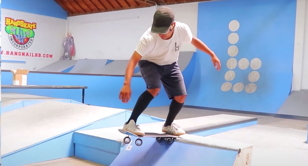 Someone attached the $700 Apple's Mac Pro wheels on a skateboard