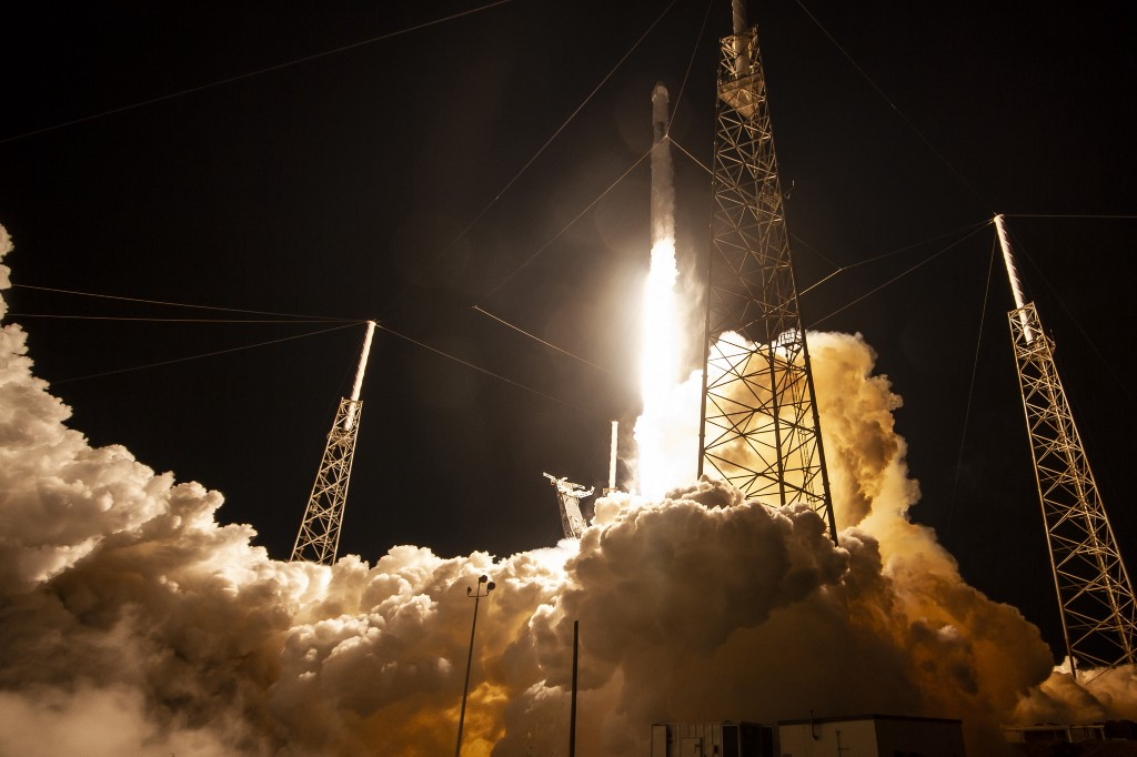 Photo of Liftoff of SpaceX's CRS-17 Dragon Cargo Craft on May 4, 2020