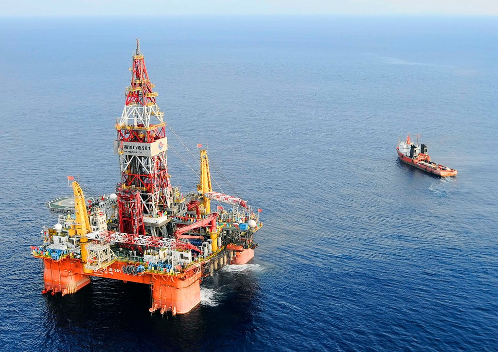 deepwater oil drilling discovering pros and cons of a controversial
