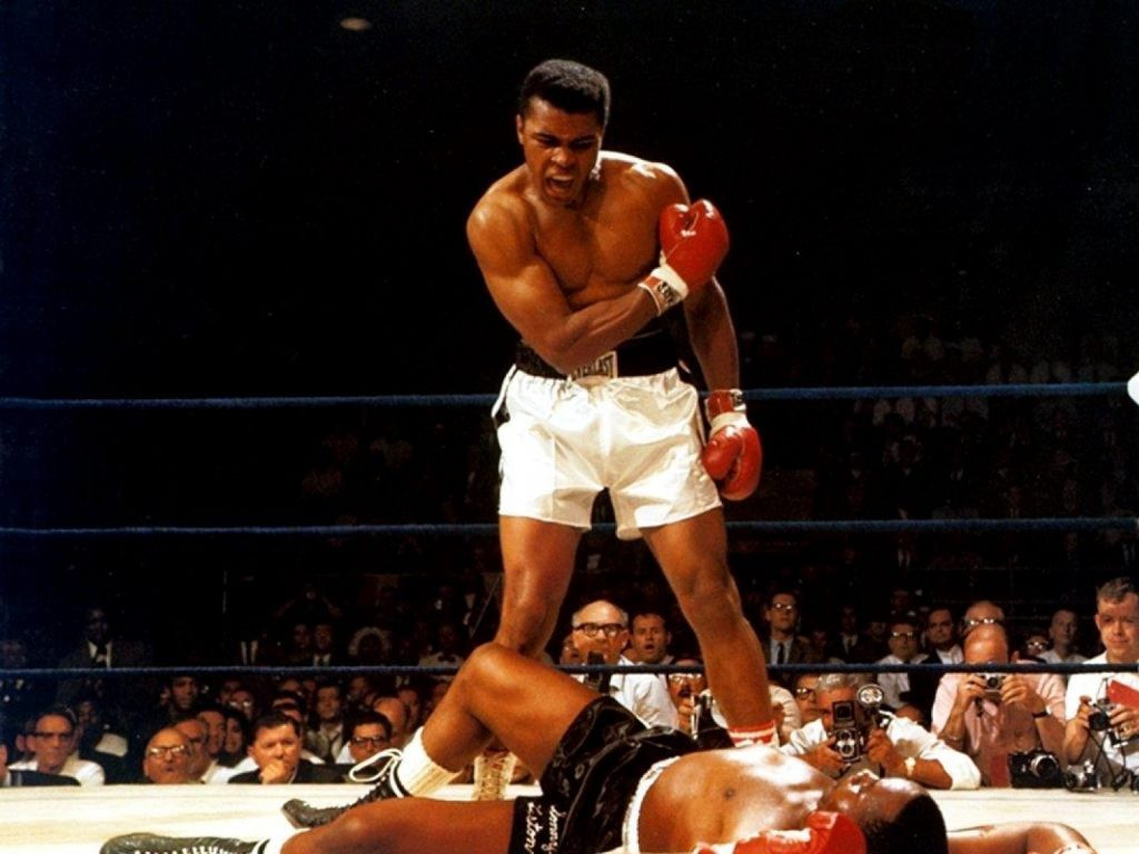 Muhammad Ali Vs Sonny Liston Was Knocked Down 1 Minute And 42 Seconds Into The First Round