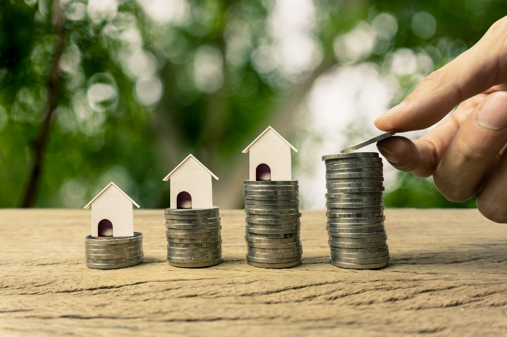 Is it Better to Get a Home Equity Loan or Refinance My Existing Loan?