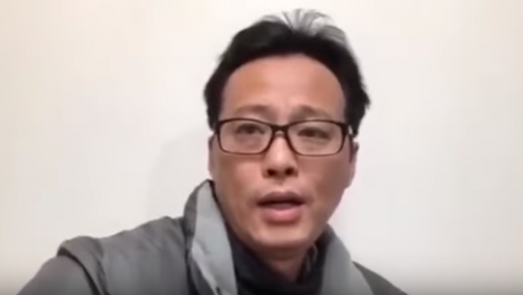 Chinese artist sings his daughter 'Happy Birthday' before being