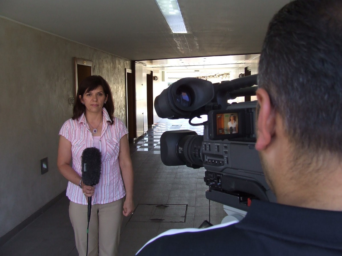 IREX on-camera training for journalists in Serbia. / USAID