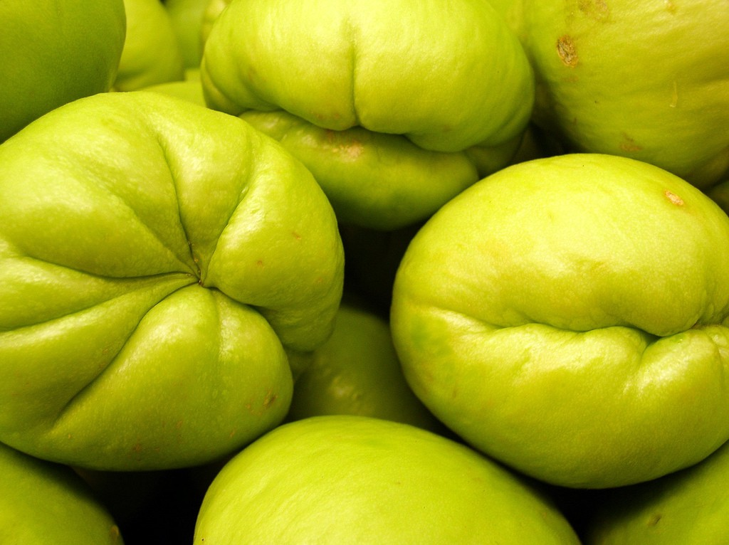 how to eat spiny chayote