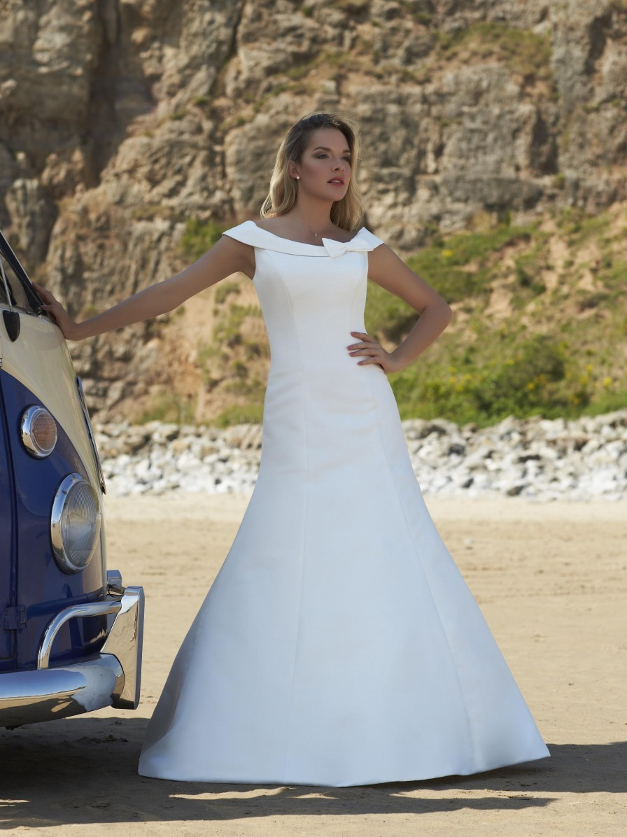 Romantica Of Devon Dante Wedding Dress Sales Medium