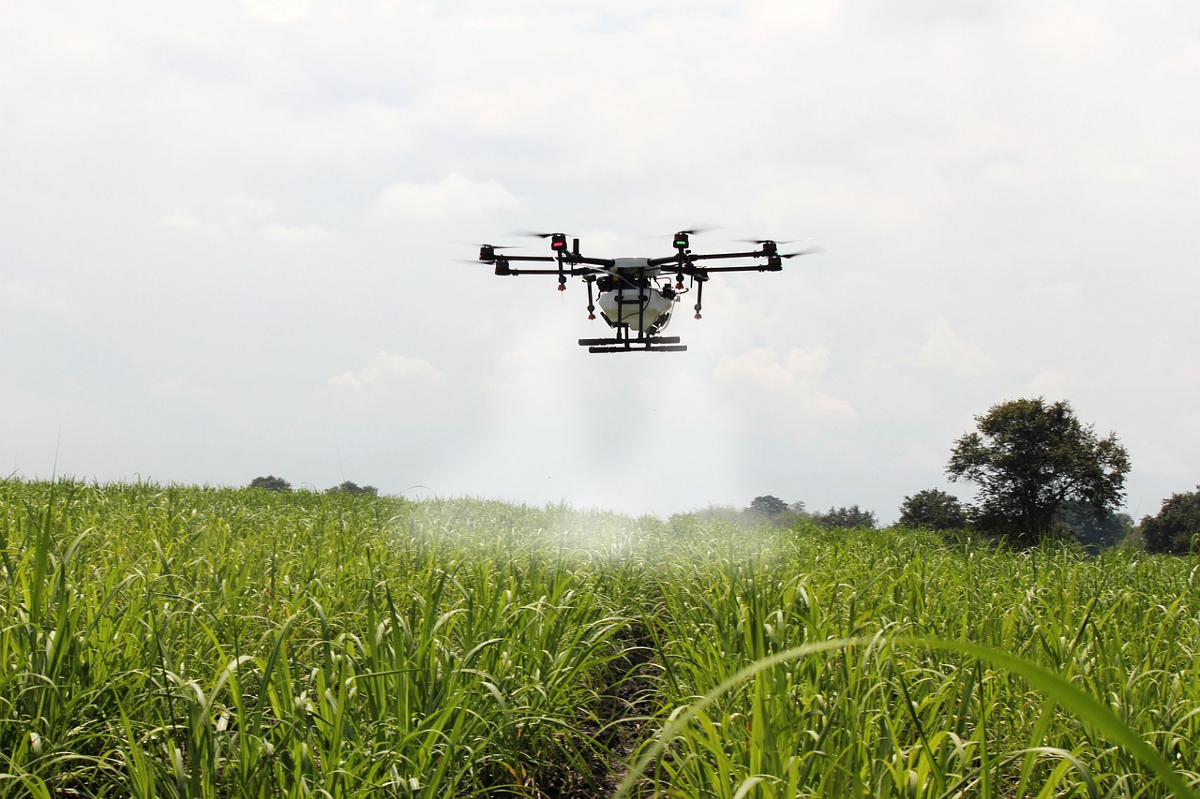 drones and agriculture and technology - DRONE ACADEMY