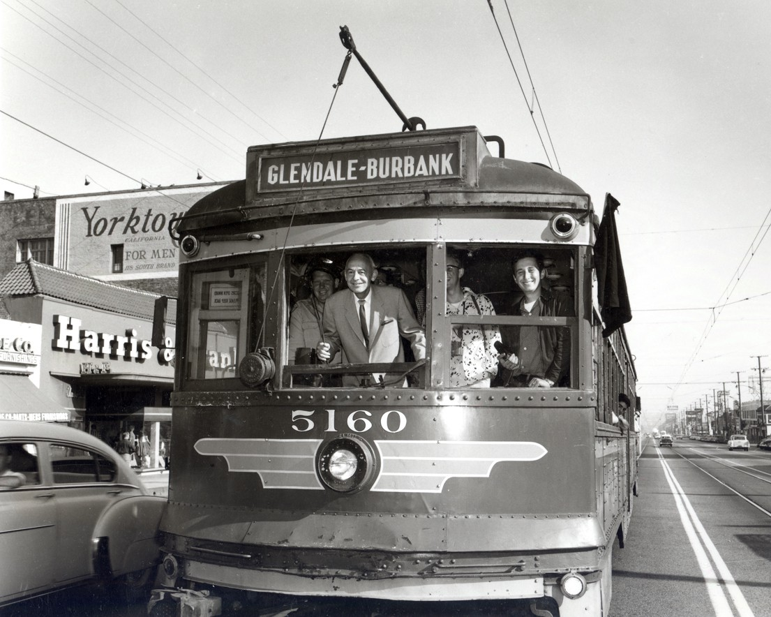 These Photos Show That Carcrazy Los Angeles Was Once A Public - Show car transport