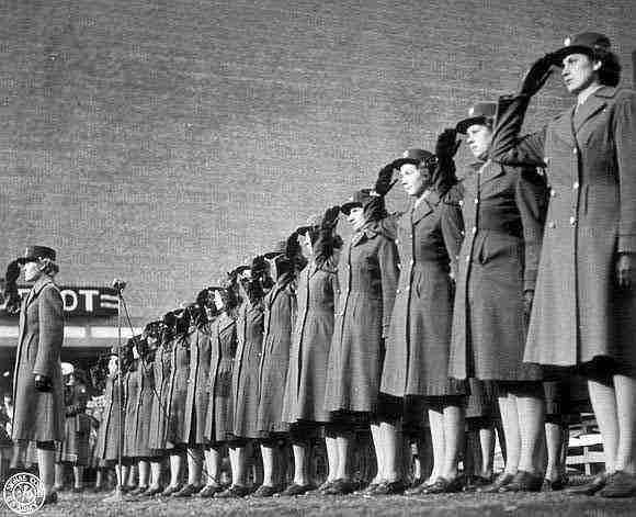 the roles and lives of women in the military