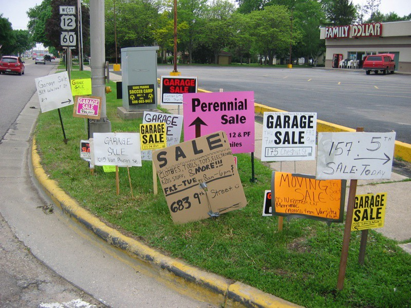 where to buy garage sale signs