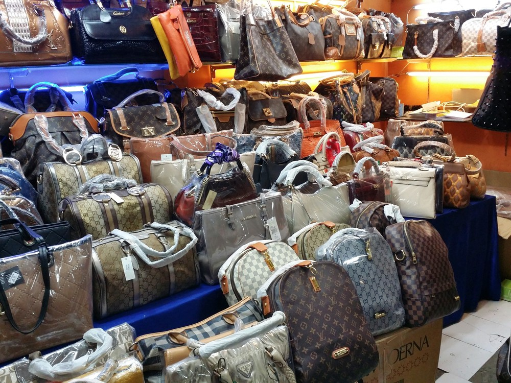 For Luxury Anti-counterfeiting To Make Blockchain Fakes Goods Effective How Fighting With