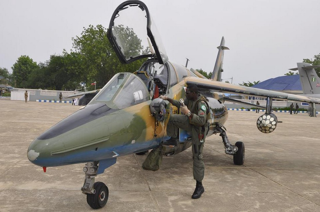 Nigeria S Tiny Low Tech Alpha Jets Have Flown In Brutal