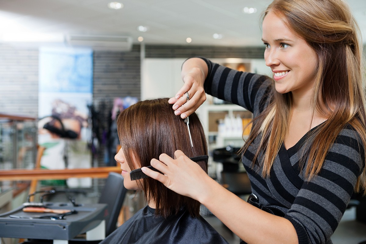 Here The Services Of Mobile Hairdressers In Melbourne Come Useful Are Salon Professionals Who Visit Clients At Their Home Or