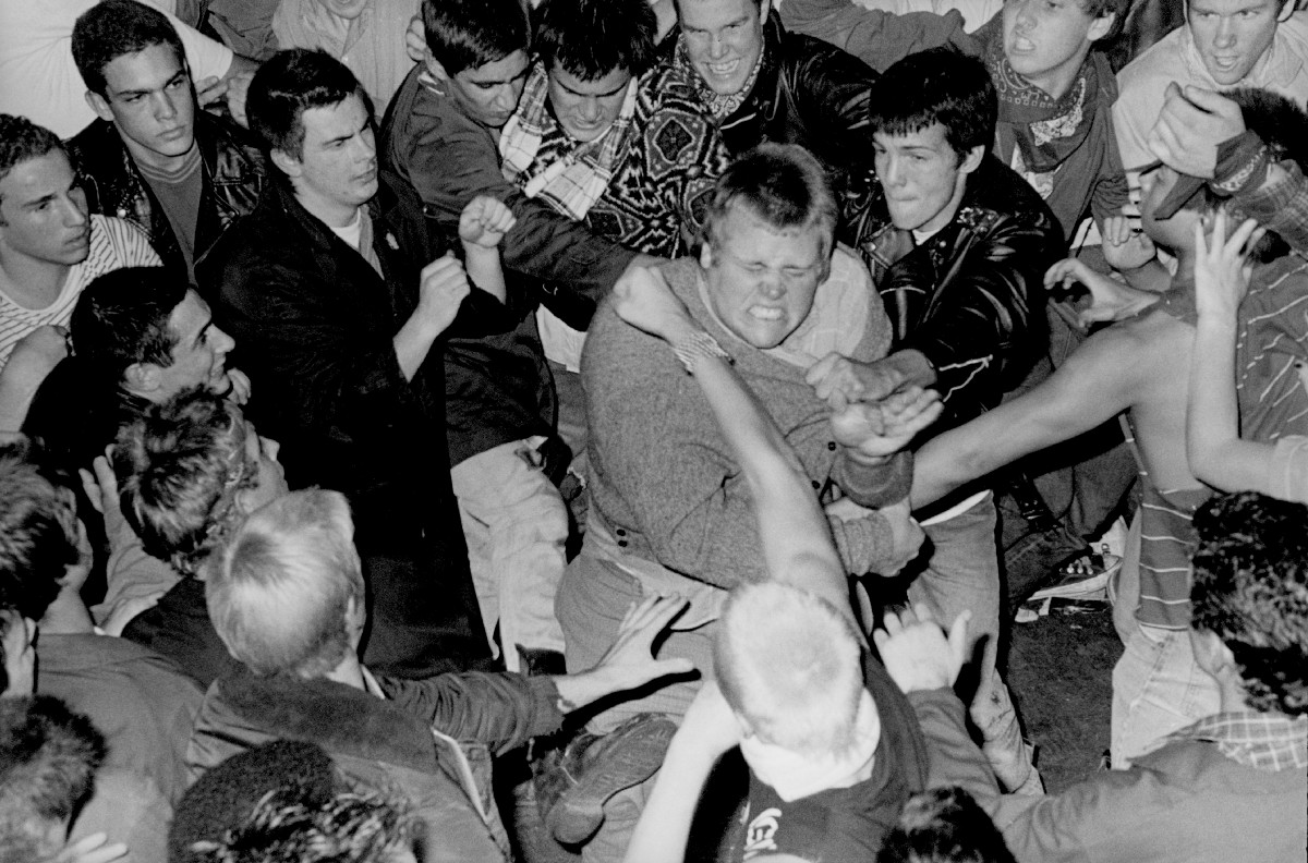 Is moshing dead? – Timeline