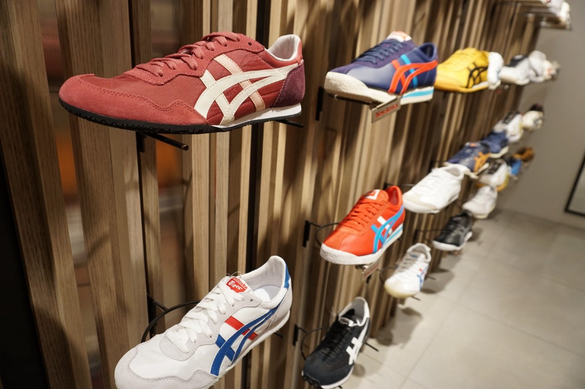36111ff6a3 5 Coolest Sneaker Shops in Shinjuku – Japan Travel Guide -JW Web ...