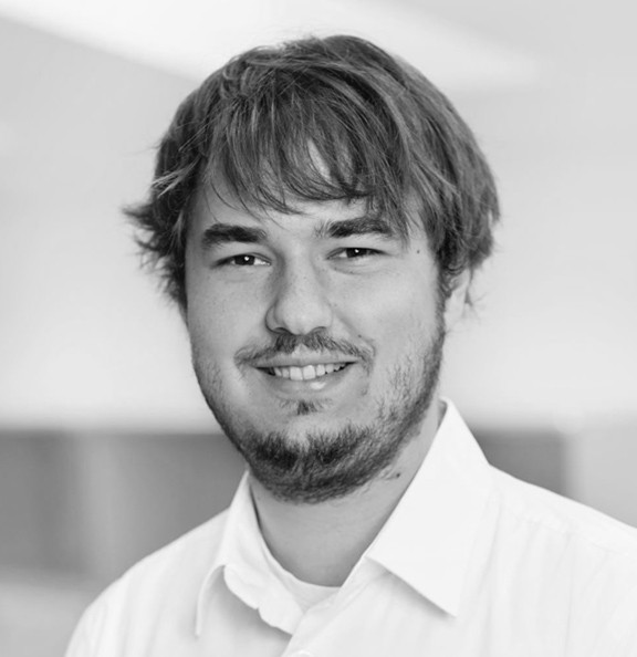 0abeaa295dc04c Philipp Piwowarsky studied Mediainformatics at LMU Munich and has a great  passion for developing well-engineered software