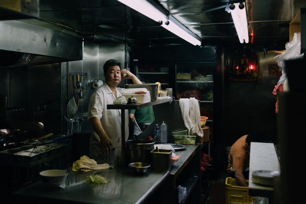 working at fast food restaurants 25 reasons why it sucks to work in food service photo by guian bolisay | cc 25 reasons why it sucks to work in food working at a restaurant and bar might.