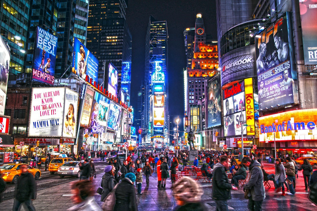 Digital OOH in Times Square is viewed by 330,000 people and more