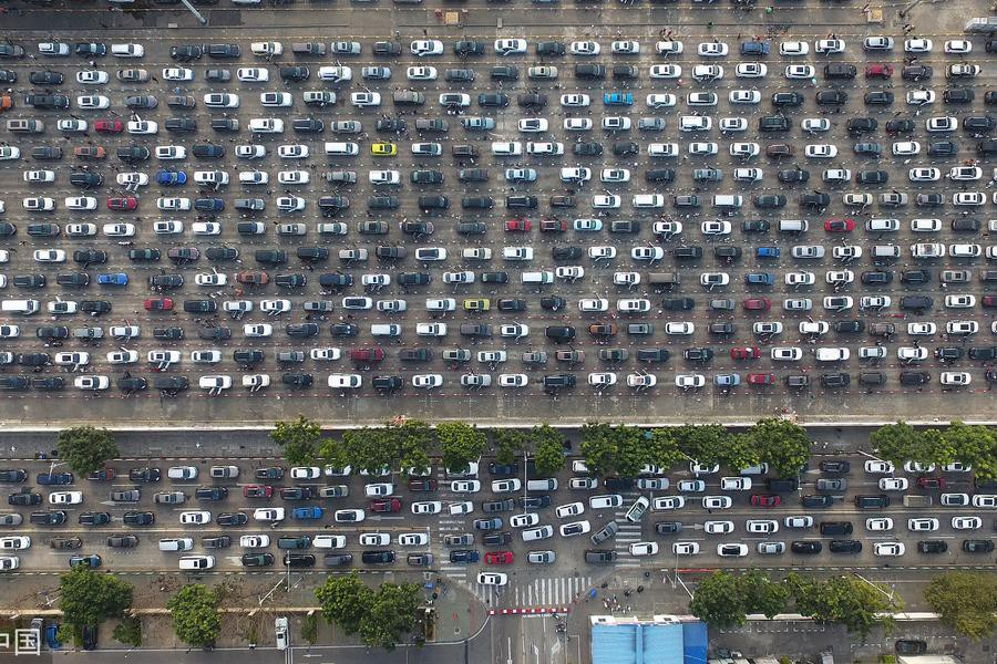 LOOK: Absolutely hellish traffic jams mark the end of another Spring Festival holiday