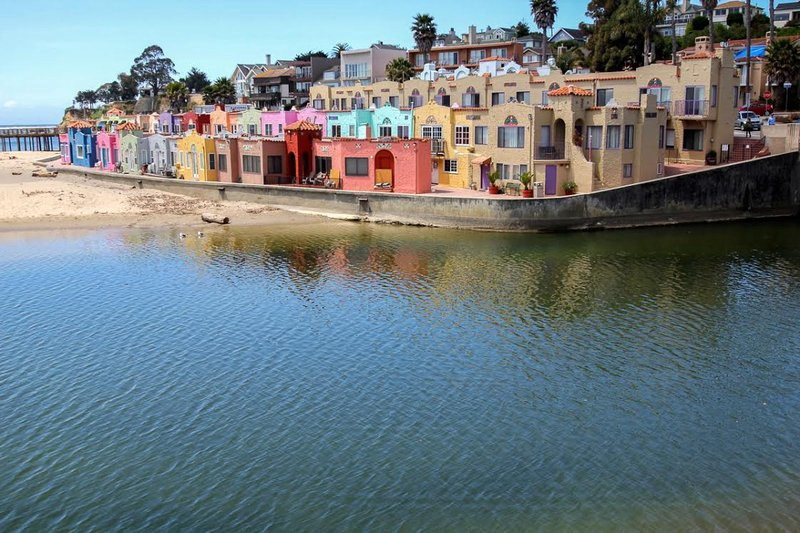 Beach House Als Takes Pride And Joy In Providing Upscale Furnished Vacation Capitola It S More Well Known Neighbor Santa Cruz