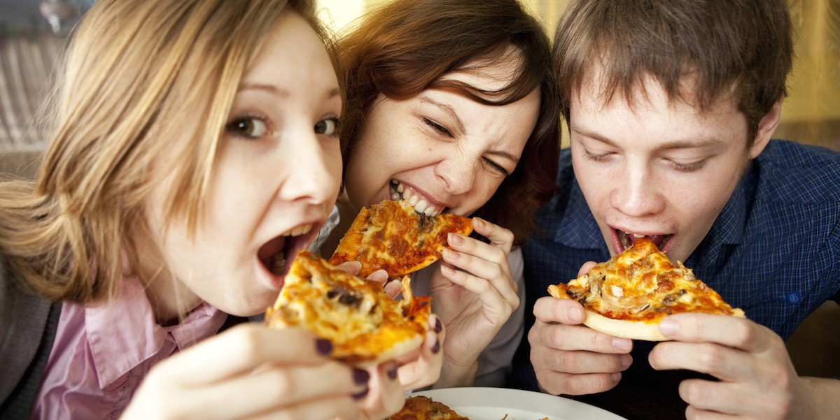 Eating pizza does not cause pimples, according to a research conducted at  Johns Hopkins University in Baltimore. The new study concludes that dietary  oil ...
