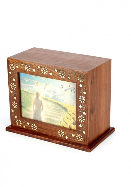 Alluring Cremation Urns to Treasure the Ashes of a Dear One