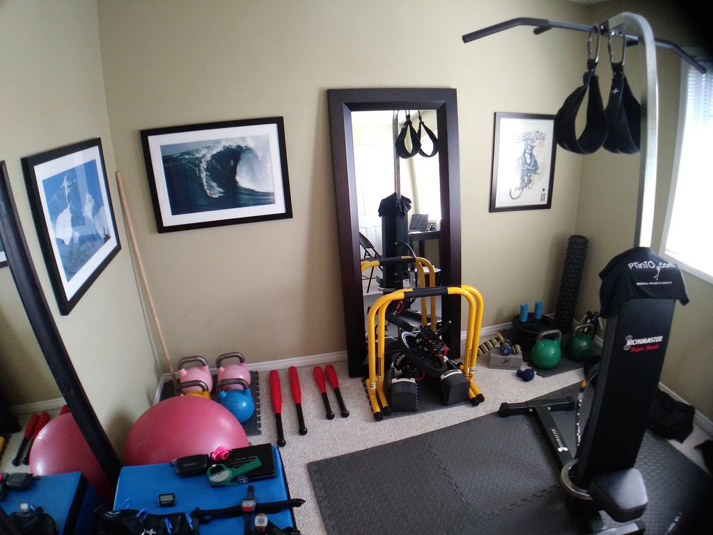 5 reasons why working out at home is better than the gym