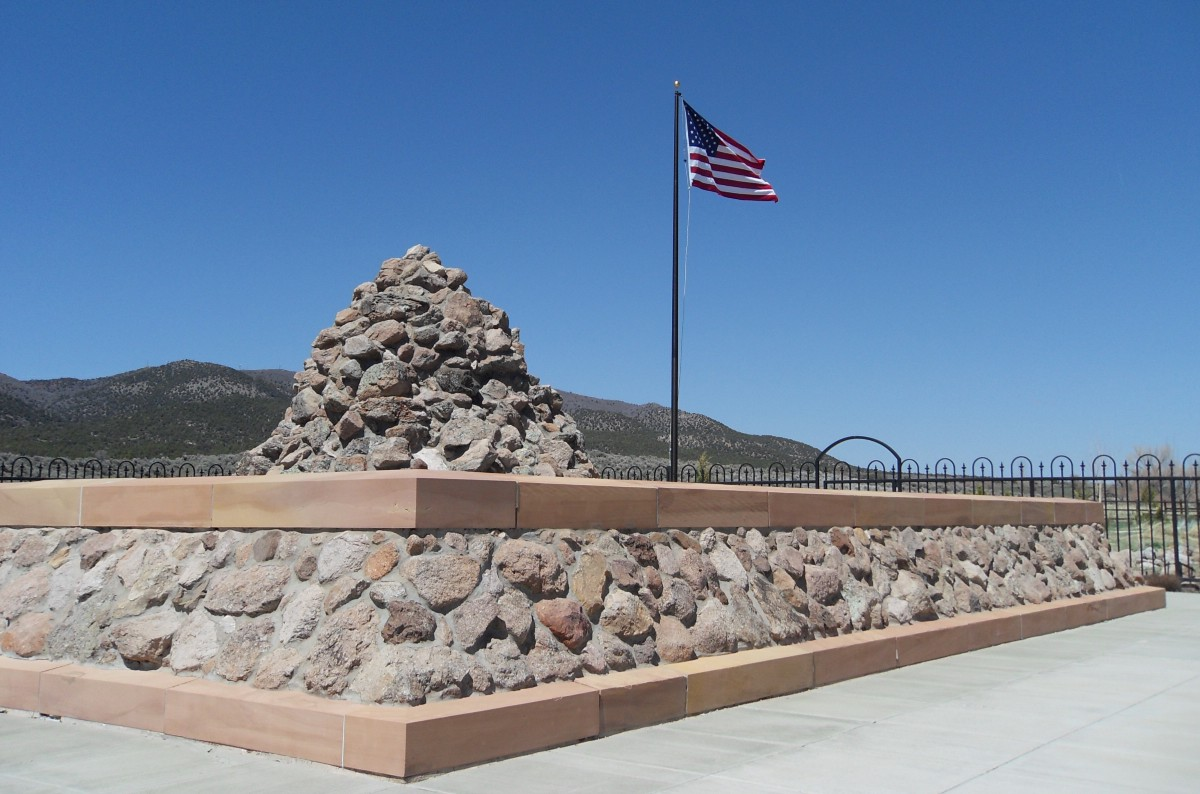 mountain meadows massacre The mountain meadows massacre by richard e turley jr on september 11, 1857, some 50 to 60 local militiamen in southern utah, aided by american indian allies, massacred about 120 emigrants who were traveling by wagon to california.