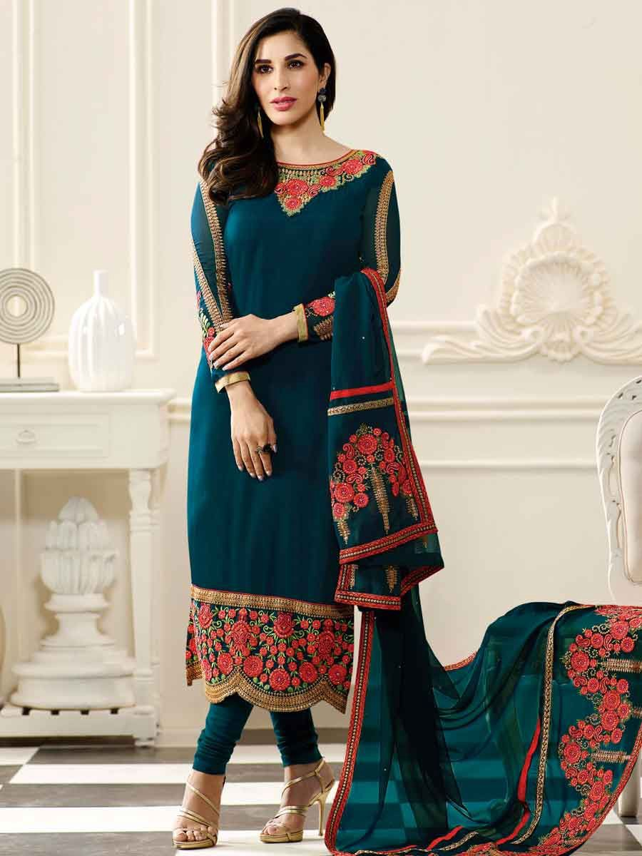 2a8ba827154 How to look fashionable in Indian salwar suit – designerethnicstore – Medium