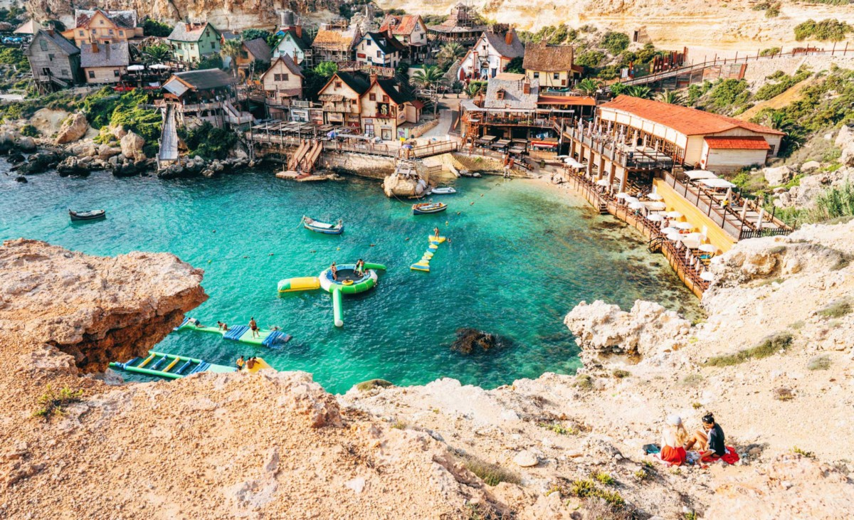 https://medium.com/airbnbmag/pop-into-popeye-village-a-film-set-turned-town-on-the-coast-of-malta-dd670294a3a6