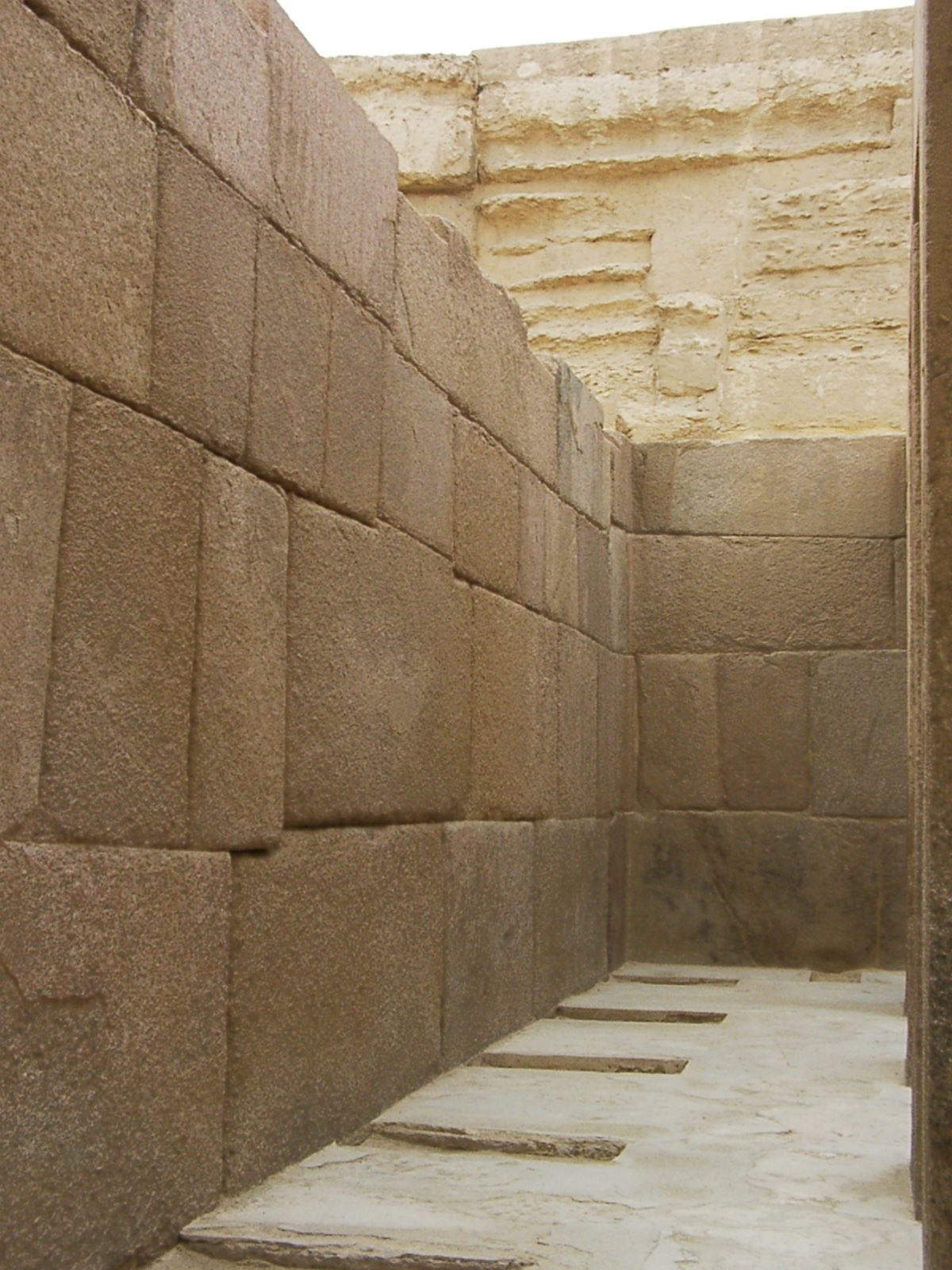 Archeologists think the Valley Temple predates the Sphinx (credit: HoremWeb)