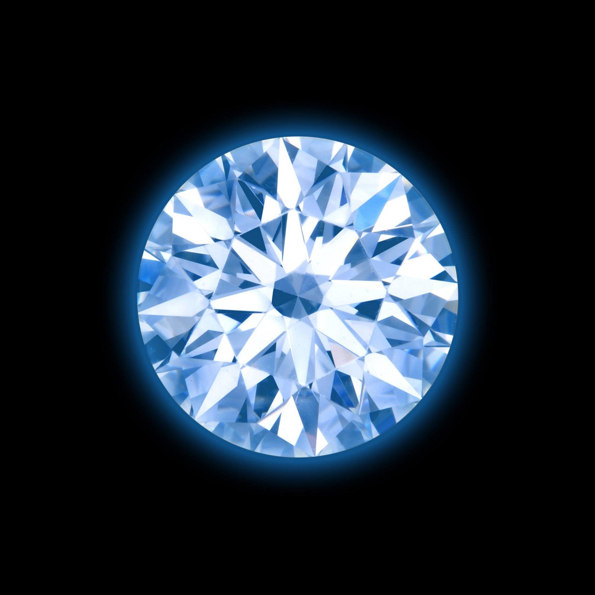 For a long time, diamond with a strong fluorescent has been rejected by convention.