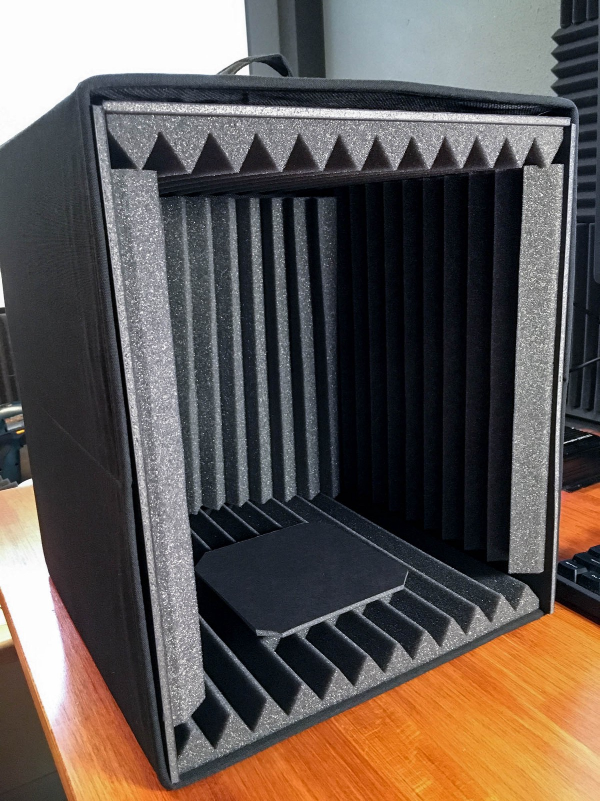 DIY $20 Microphone Isolation Box For Podcasting